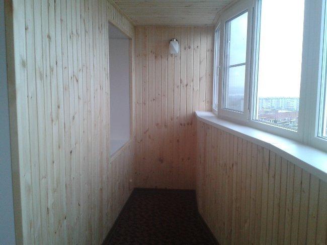 обшивка балкона в коттедже