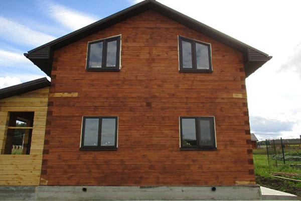 Отделка балконов в частном доме