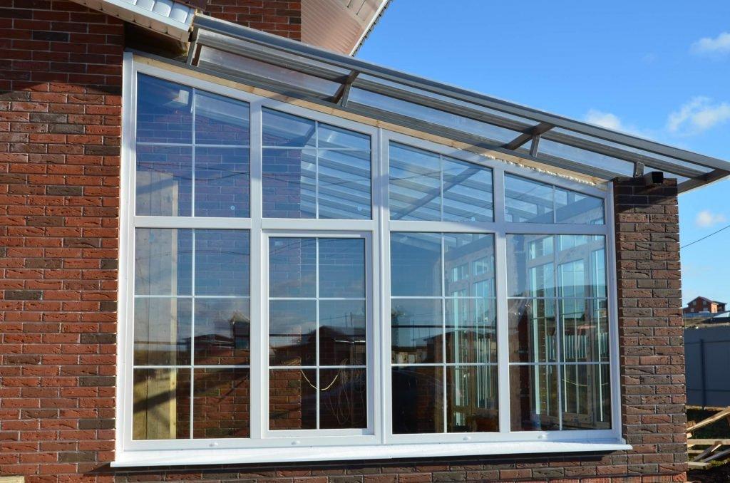 Остекление частных домов недорого пластиковыми окнами
