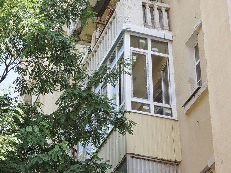 Остекление балконов в сталинке со скидкой и за 1 день