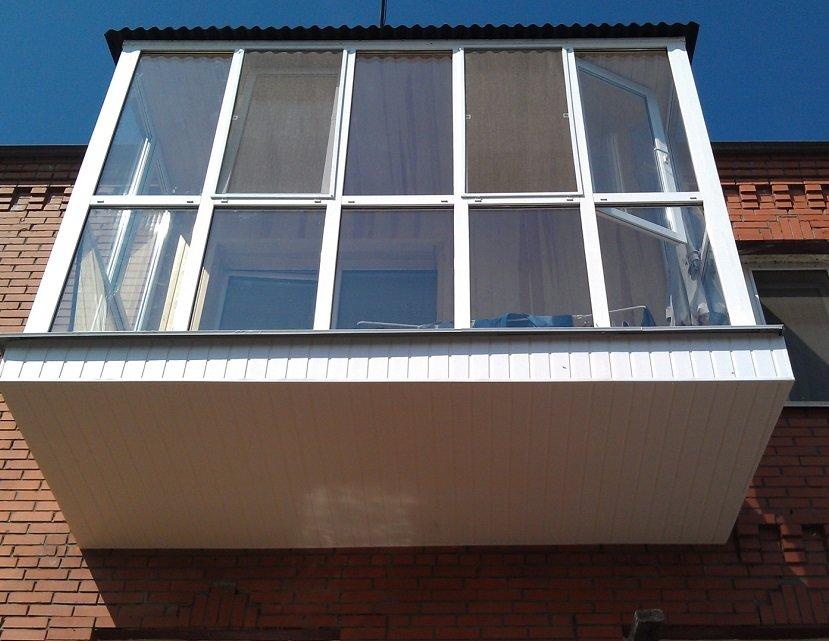 Французское остекление балкона в хрущевке под ключ
