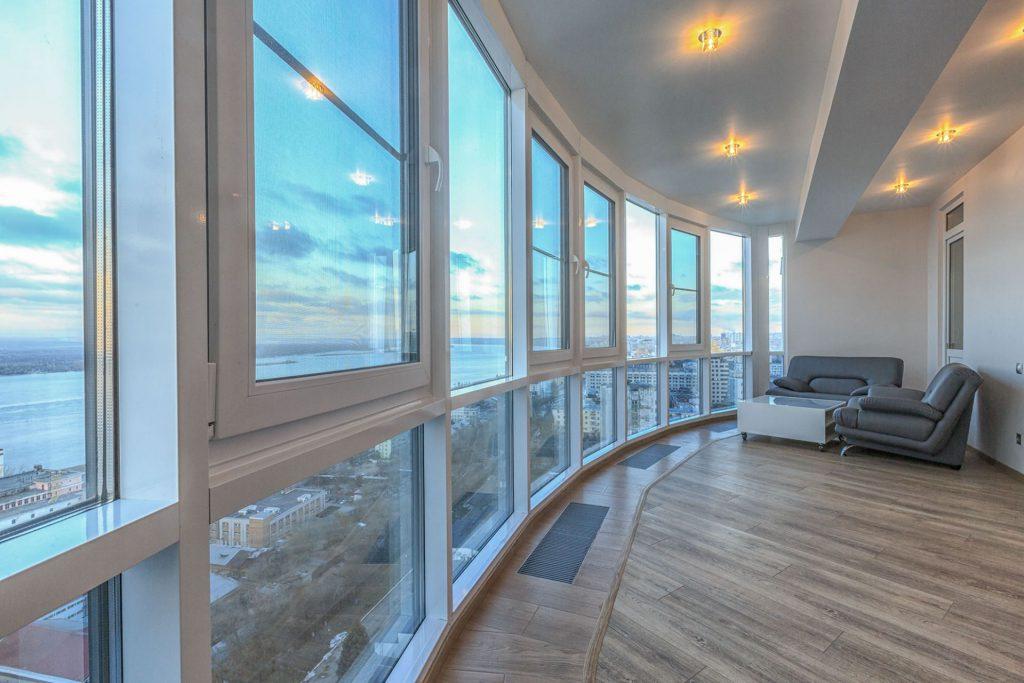 Французские окна для остекления балкона