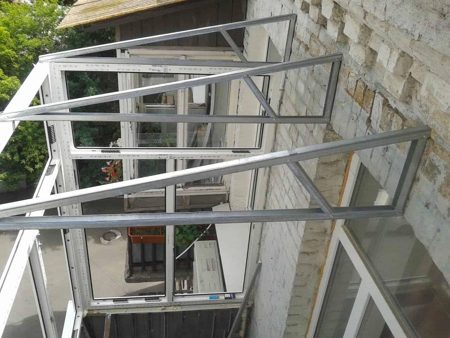 Монтаж крыши на балкон недорого