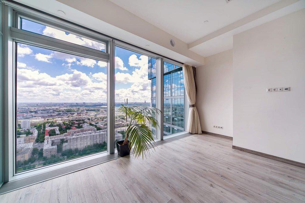 Панорамное остекление балкона недорого под ключ от профессионалов